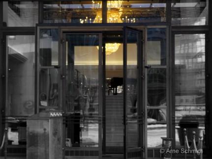 Enlightment - Entrance of The Ritz-Carlton Berlin, Mitte/Tiergarten, January 2013