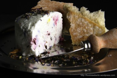 Buffaloe's yoghurt Labneh with Provence Flowers