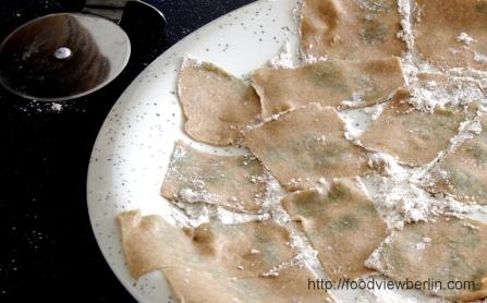 herbal-pattern-pasta