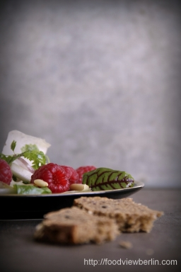 Truffled Belgian endive salad with raspberries