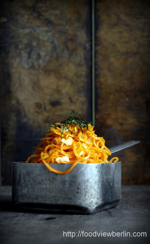 Carrot spaghetti aglio & olio