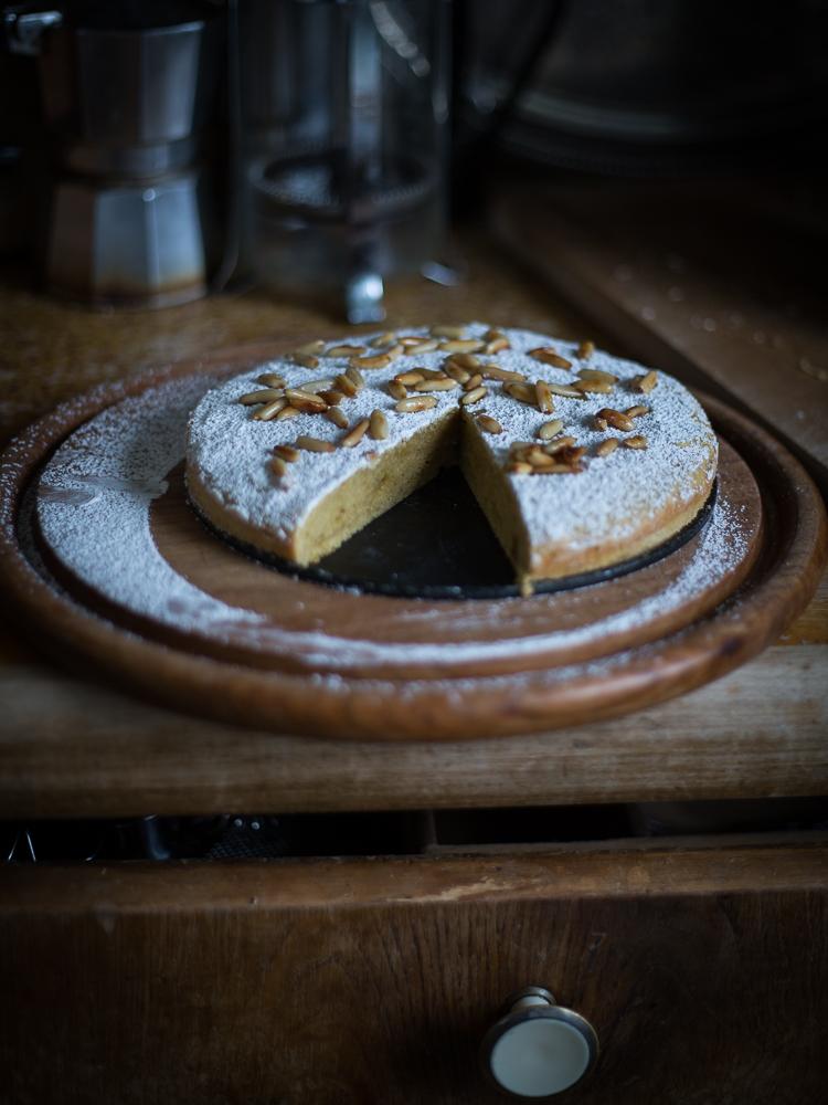 Mediterranean chickpea flour cake mediterraner for Next kuchen handler