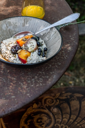porridge, summer, breakfast, garden table, fruit