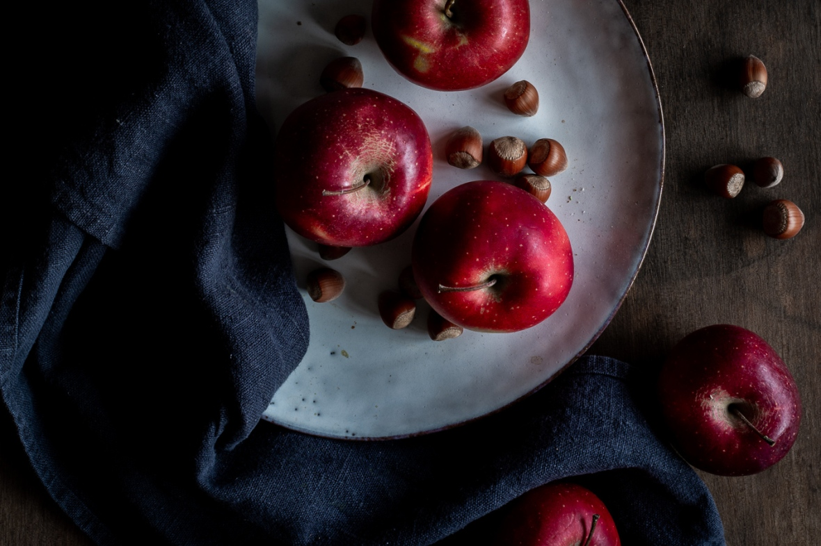 apples, plate